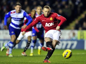 READING, Inglaterra.- Wayne Rooney marcó su primer gol, de penal (AFP).