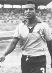 Vicente Lecaro, el Ministro, figura de Barcelona y la selección ecuatoriana. Lecaro fue campeón nacional con el ídolo en 1960, 1963, 1966, 1970 y 1971.