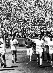 La celebración de Liga luego del triunfo 3 a 1 sobre Barcelona en el Atahualpa.
