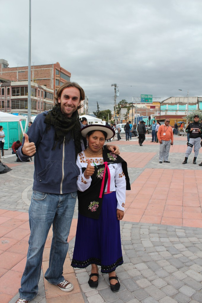 El francés es Julien Landais recorrió gran parte del Ecuador en una ruta que incluye varios países de Latinoamérica.<br /> Laguna de Quilotoa