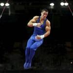 LONDRES. El gimnasta estadounidense Jacob Dalton compite en la prueba de anillas durante la competición de gimnasia masculina de los Juegos Olímpicos Londres 2012. Foto: EFE