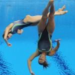 LONDRES. Las saltadoras italianas Tania Cagnotto y Francesca Dallape durante la final de trampolín 3 m sincronizado femenino de Los Juegos Olímpicos de Londres 2012.Foto: EFE