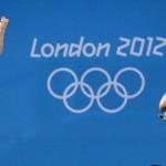 LONDRES. Las saltadoras estadounidenses Abigail Johnston y Kelci Bryant durante la final de trampolín 3 m sincronizado femenino de Los Juegos Olímpicos de Londres 2012. Foto: EFE