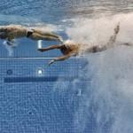 LONDRES. Los británicos Thomas Daley (i) y Peter Waterfield compiten en la disciplina de salto de plataforma sincronizada de 10 metros de los Juegos Olímpicos de Londres 2012. Foto: EFE