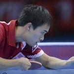 LONDRES. El estadounidense Timoty Wang se enfrenta al norcoreano Song Nam Kim en la ronda clasificatoria de la competición individual masculina de tenis de mesa de los Juegos Olímpicos de Londres 2012. Foto: EFE