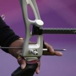 LONDRES. Detalle de una flecha durante la celebración de los octavos de final del torneo olímpico de tiro con arco por equipos que se celebra en el estadio Lord's Cricket Ground. Foto: EFE