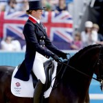 LONDRES. La amazonas británica Nicola Wilson compite con su caballo Opposition Buzz en la doma clásica por equipos en los Juegos Olímpicos de Londres 2012. Foto: EFE