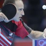 LONDRES. El español Carlos Machado se enfrenta al nigeriano Quadri Aruna en un partido de primera ronda del torneo masculino de tenis de mesa de los Juegos Olímpicos de Londres 2012. Foto: EFE
