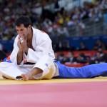 LONDRES. El judoca español Daniel García González (blanco) se enfrenta al paraguayo Abraham Acevedo en un combate de la ronda eliminatoria de judo en la categoría masculina de -66 kilos de los Juegos Olímpicos de Londres 2012. Foto: EFE