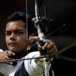 LONDRES. El colombiano Daniel Felipe Pineda compite en el torneo de tiro con arco de los Juegos Olímpicos de Londres. Foto: EFE