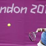 LONDRES. El tenista argentino Juan Martin Del Potro durante el partido que ha disputado contra el francés Gilles Simon en la quinta jornada de tenis de los juegos olímpicos de Londres 2012. Foto: EFE