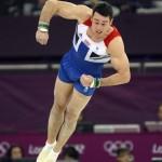 LONDRES. El británico Kristian Thomas realiza su ejercicio de suelo durante la final del concurso múltiple individual de gimnasia artística masculino durante los Juegos Olímpicos de 2012. Foto: EFE