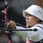 LONDRES. La arquera mexicana Aida Román durante su participación en la competición de tiro con arco individual en los Juegos Olímpicos en Londres. Foto: EFE