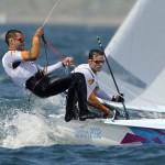 WEYMOUTH. Los españoles Onan Barreiros y Aaron Sarmiento navegan durante la competición masculina de Vela 470 en los JJ.OO. de Londres 2012. Foto: EFE
