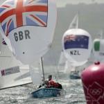 WEYMOUTH. Los británicos Luke Patience y Stuart Bithell navegan durante la competición masculina de Vela 470 en los JJ.OO. de Londres 2012. Foto: EFE