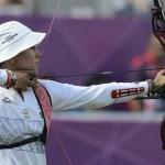 LONDRES. La mexicana Aida Roman compite en la final del torneo de tiro con arco femenino de los Juegos Olímpicos de Londres 2012. Foto: EFE