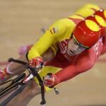 LONDRES. Los ciclistas españoles Sebastian Mora, David Muntaner y Albert Torres compiten en la prueba de persecución por equipos, durante las pruebas de ciclismo de pista de los Juegos Olímpicos 2012. Foto: EFE