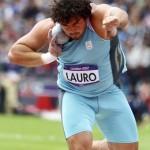 LONDRES. El argentino Marco Fortes compite en la prueba de clasificación masculina de lanzamiento de peso de los Juegos Olímpicos de Londres 2012. Foto: EFE