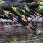 LONDRES. Competidoras durante la competición de Triatlón femenino de los Juegos Olímpicos de 2012. Foto: EFE