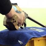 LONDRES. Detalle de la pistola del alemán Christian Reitz que compite en la prueba de los 50m pistola masculino de la competición de tiro olímpico en los Juegos Olímpicos de Londres 2012. Foto: EFE