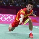 LONDRES. El chino Long Chen celebra tras vencer al surcoreano Hyun li Lee en el partido por el bronce individual masculino de la competición de bádminton en los Juegos Olímpicos de Londres 2012. Foto: EFE