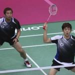 LONDRES. Los surcoreanos Jae Sung Chung (d) y Yong Dae Lee en acción ante los malayos en el partido por la medalla de bronce en dobles masculino de la competición de bádminton en los Juegos Olímpicos de Londres 2012. Foto: EFE