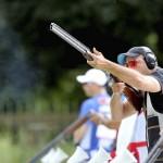 LONDRES. El tirador boliviano Carlos Juan Pérez dispara su rifle en la prueba de tiro olímpico en foso, correspondiente a los Juegos Olímpicos de Londres 2012. Foto: EFE