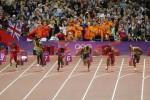 LONDRES. El atleta jamaiquino Usain Bolt (3-i) compite para ganar la medalla de oro en la prueba de los 100 metros planos masculino, durante las competencias de atletismo de los Juegos Olímpicos Londres 2012. Foto: EFE