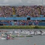 DORNEY. Vista general de las participantes en la ronda clasificatoria de 500 metros de Kayak cuádrupe (K4) femenino en la competición de canoa de los Juegos Olímpicos de Londres 2012 que se disputa en el centro de remo Eton Dorney. Foto: EFE