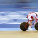 LONDRES. La polaca Malgorzata Wojtyra, durante la prueba de persecución individual 3km de la competición de ciclismo en pista en los Juegos Olímpicos de Londres 2012. Foto: EFE