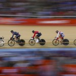 LONDRES. Vista general de una de las rondas del keirin masculino de la competición de ciclismo en pista en los Juegos Olímpicos de Londres 2012. Foto: EFE