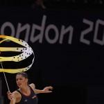 LONDRES. La gimnasta Carolina Rodríguez, única representante española en individual, entrena en el Wembley Arena. Foto: EFE