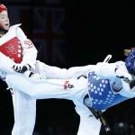 LONDRES. La croata Lucija Zaninovic (i) combate contra Jannet Alegría de México hoy, miércoles 8 de agosto de 2012, en la prueba femenina de taekwondo en los Juegos Olímpicos de 2012. Foto: EFE
