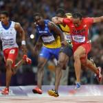 LONDRES. El atleta estadounidense Aries Merritt (d) ganal la medalla de oro en la prueba de los 110 metros vallas masculino, durante las competencias de atletismo de los Juegos Olímpicos Londres 2012. Foto: EFE