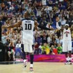 LONDRES. El jugador estadounidense Kobe Bryant (c) celebra una cesta de tres puntos ante Australia, durante un partido de baloncesto por los cuartos de final de los Juegos Olímpicos Londres 2012. Foto: EFE