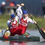 DORNEY. Los rusos Alexey Korovashkov (d) y IIya Pervukhin compiten para ganar la medalla de bronce en la final de Canoa doble (C2) de 1.000 metros masculino de los Juegos Olímpicos de Londres 2012 que se disputan en el canal Eton Dorney. Foto: EFE
