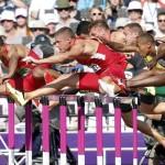 LONDRES. Un momento de la prueba de 110 metros vallas del decatlón, en la competición olímpica de atletismo, en el Estadio Olímpico de Londres. Foto: EFE