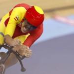 LONDRES. El ciclista español Eloy Teruel Rovira pedalea en la prueba contrarreloj de 1km individual masculina, de ciclismo en pista correspondiente a los Juegos Olímpicos de Londres 2012. Foto: EFE