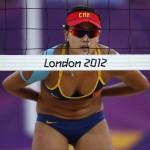 LONDRES. La china Xue Chen durante el partido de playa de voleibol en Horse Guards Parade durante los Juegos Olímpicos de Londres 2012. Foto: REUTERS