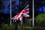 LONDRES. La bandera del Reino Unido es izada durante la ceremonia de inauguración de los Juegos Olímpicos de Londres 2012. Foto: EFE