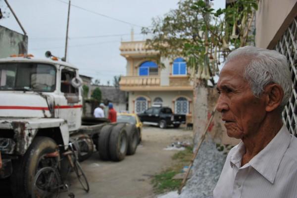 Pedro Pablo Macías, de 85 años, recuerda como asesinaron a su hijo Pedro Pablo Macías González, en la cooperativa Unión de Bananeros (Guasmo sur).