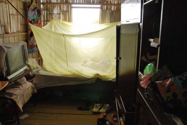 Uno de los dormitorios de la pequeña casa en la que habita Daniel Pavón en la coop. San Luis frente a Ciudad Victoria.