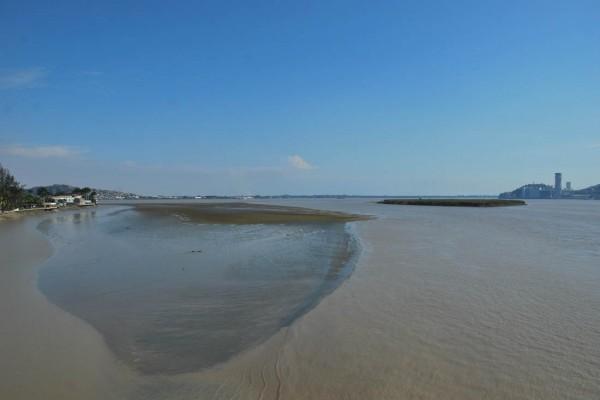 Este banco de arena podría unirse a El Palmar y luego a La Puntilla, según la ambientalista Nancy Hilgert. El proceso podría tomar unos cincuenta años.