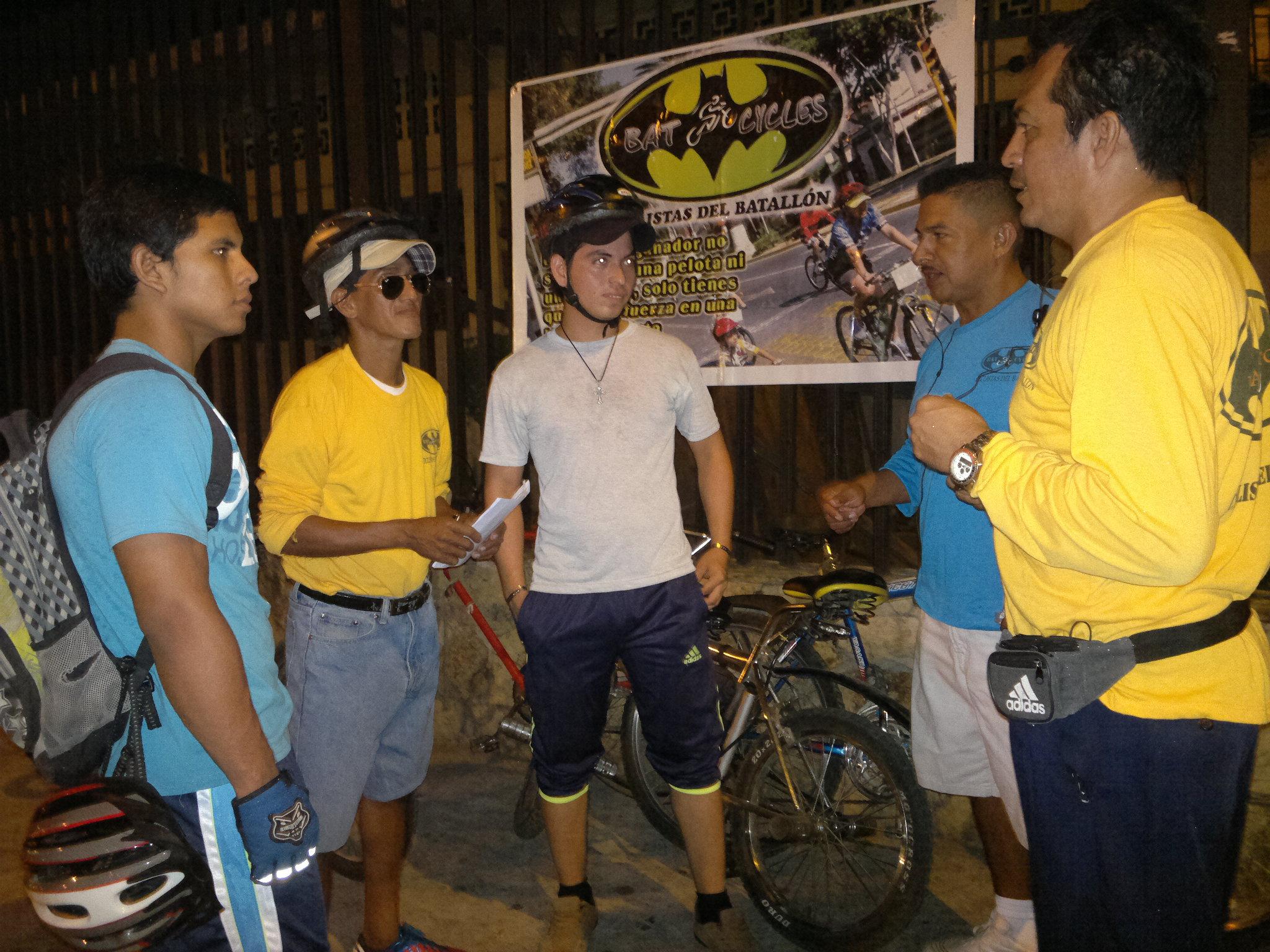 Bat-Cycles promueve ciclismo en Guayaquil