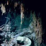 Tubería y una bañera es lo poco que queda de la cabina del capitán del Titanic en esta fotografía de julio del 2003.