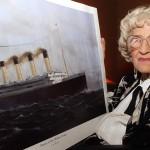 Imagen de archivo datada el 11 de abril de 2002 de Millvina Dean, última superviviente de la tragedia del Titanic.