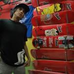 Allan García, de 26 años, prefiere el skateboarding porque
