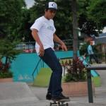 Andrés Chong Qui, de 25 años, es uno de los asiduos deportistas de skateboarding.