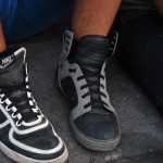 Los zapatos deportivos es una de las prendas más utilizada por los integrantes de la comunidad emo.