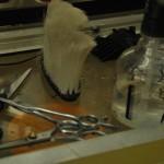 Algunos de los implementos que se usan para los cortes de cabello en Peluquería Mi Alborada.